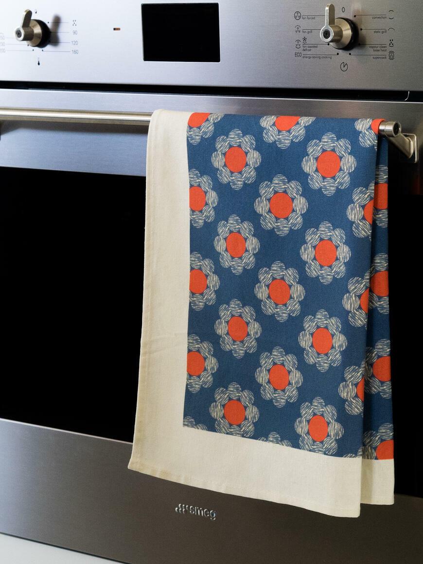 Daisy Scribbles Tea Towel   Trada Marketplace