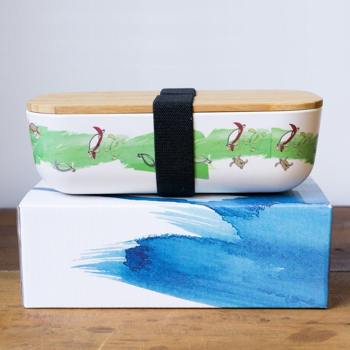 Bamboo lunch box with green turtle design | Trada Marketplace