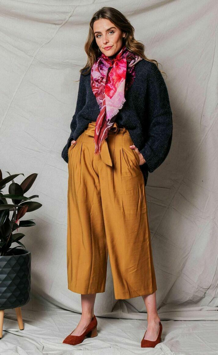 Merino wool scarf | YESTERDAY TODAY TOMORROW | Trada Marketplace
