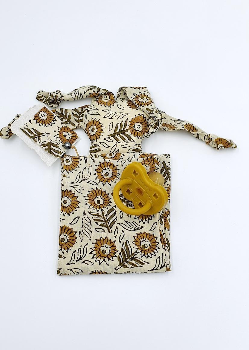 Zizou the Sunflower petal | Snuggle Baby Blanket | Trada Marketplace