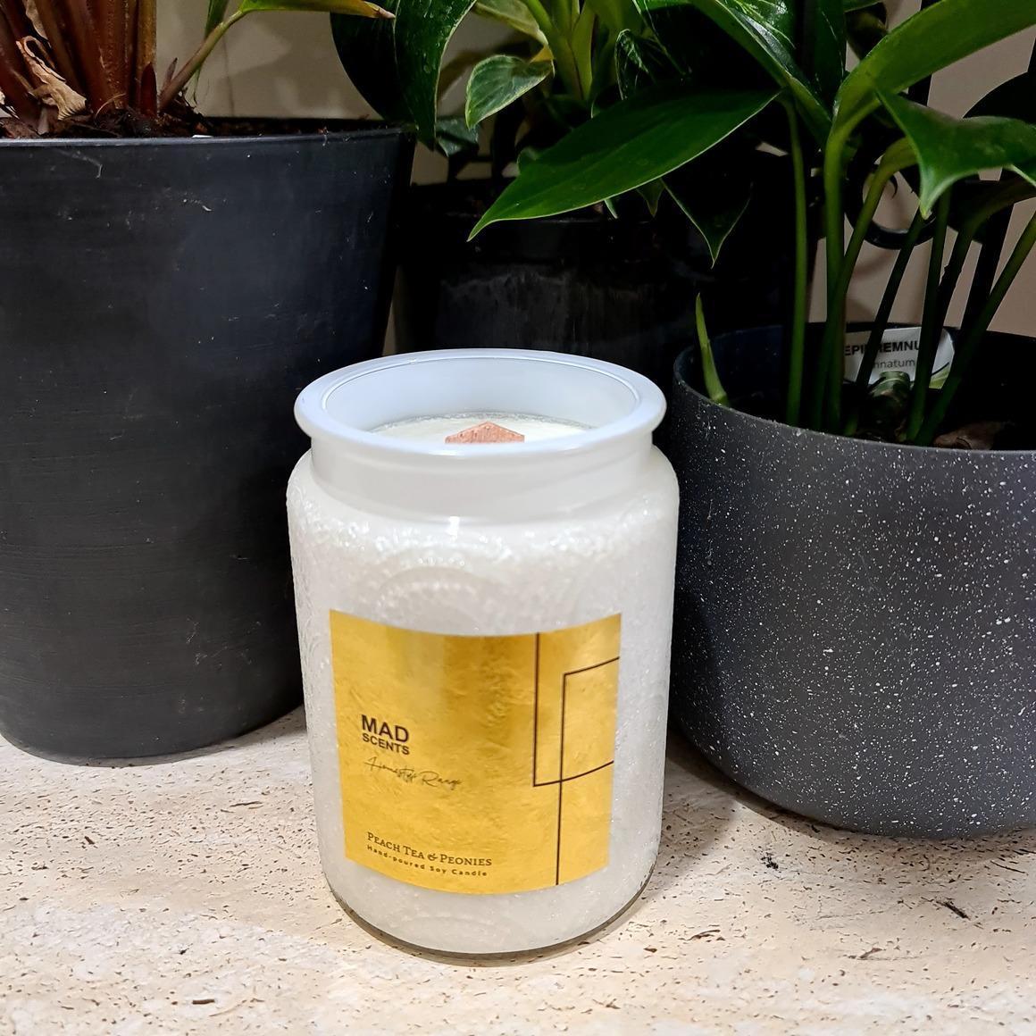 Peach Tea & Peonies Wood Wick Candle | Trada Marketplace
