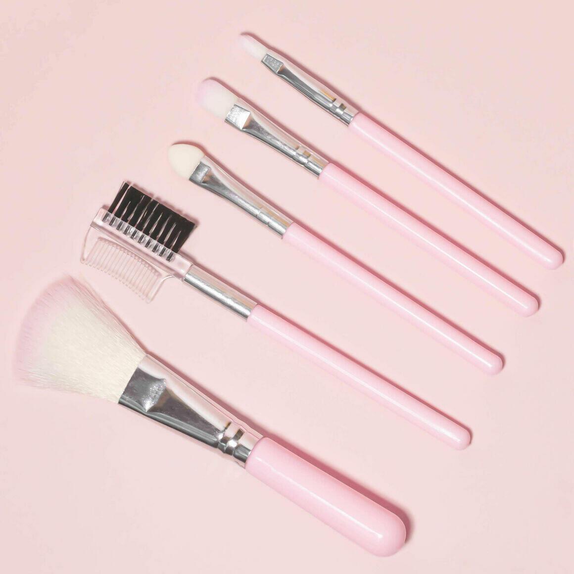 Makeup brush set   Trada Marketplace