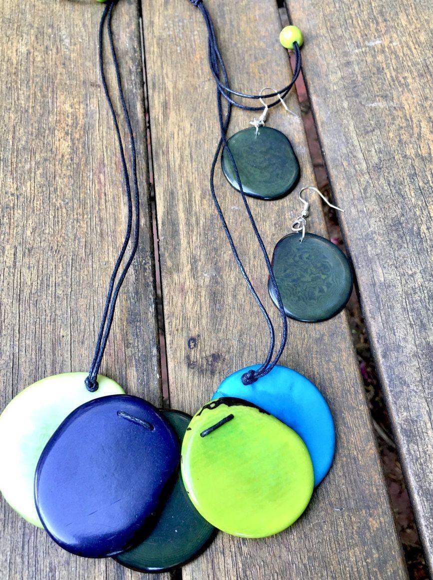 Mini 5 Petals necklace/Set | Trada Marketplace