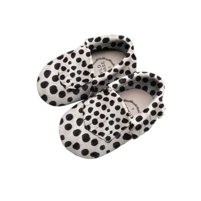 Moccasin - Frill - Black and White | Trada Marketplace