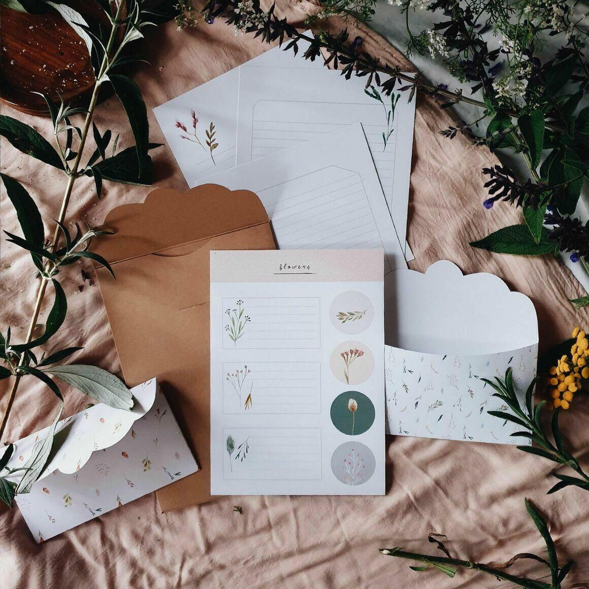 Flower Letter Writing Set   Trada Marketplace