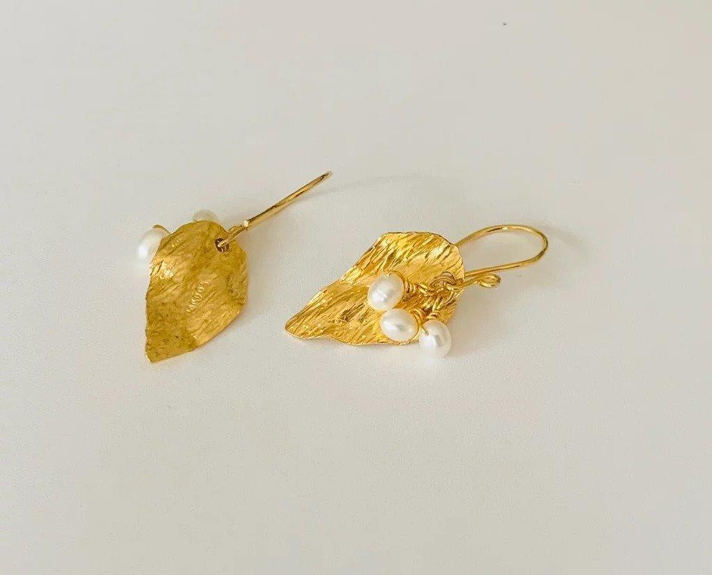 Hojas Amazonicas / Wild Carebbean Leaves Earrings (gold) | Trada Marketplace