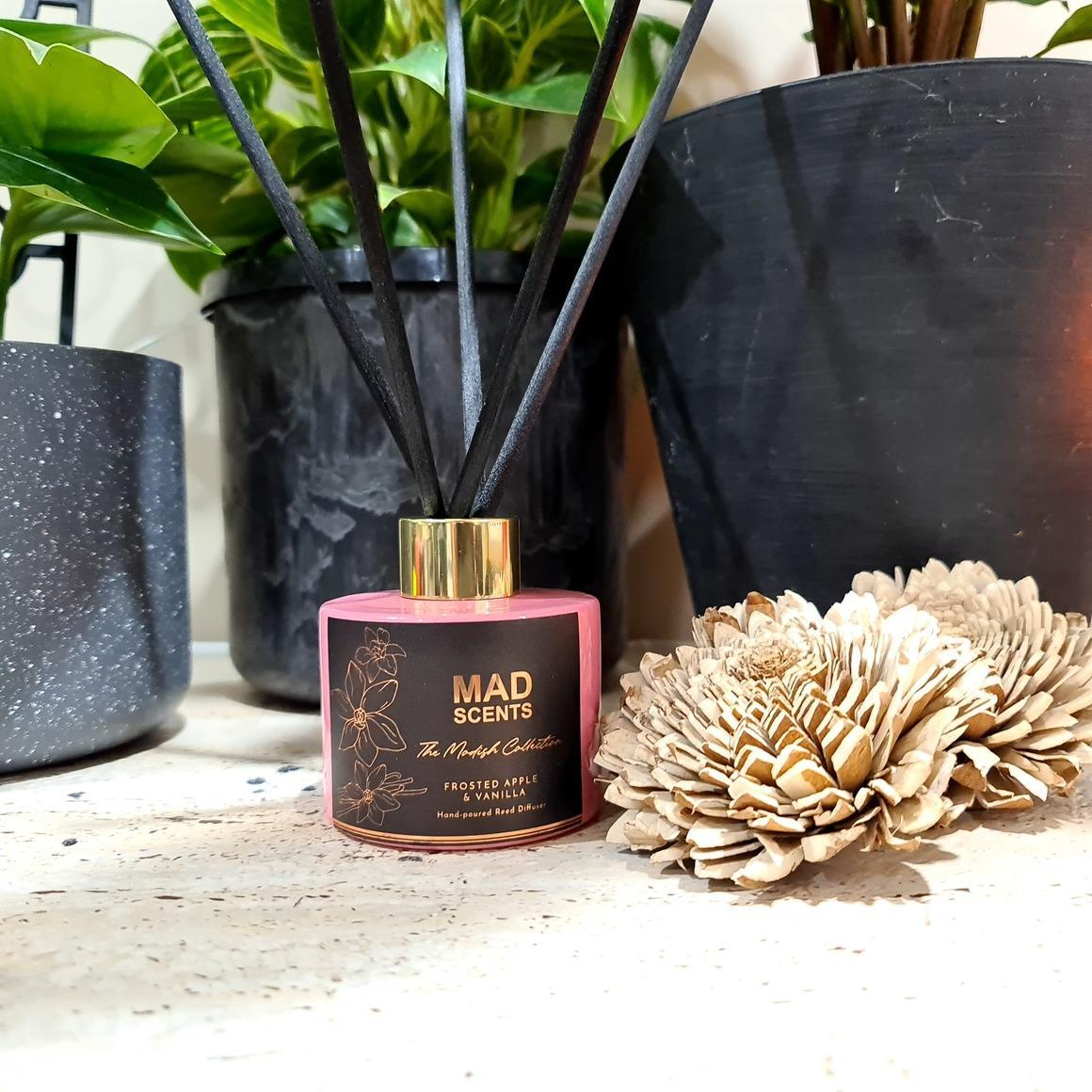 Frosted Apple & Vanilla Reed Diffuser | Trada Marketplace
