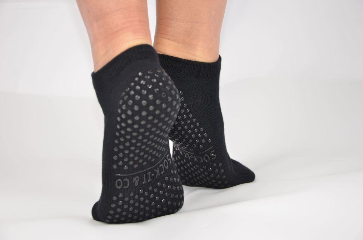 Black Non-Slip Grip Socks | Trada Marketplace