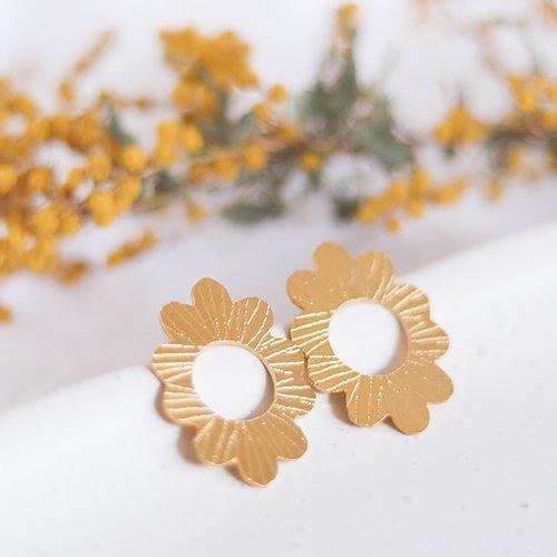 Grandiose Blissful Blossom | Trada Marketplace
