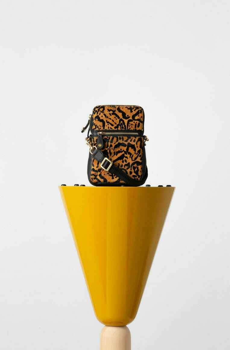 Ibiza Phone Pouch in Leopard   Trada Marketplace