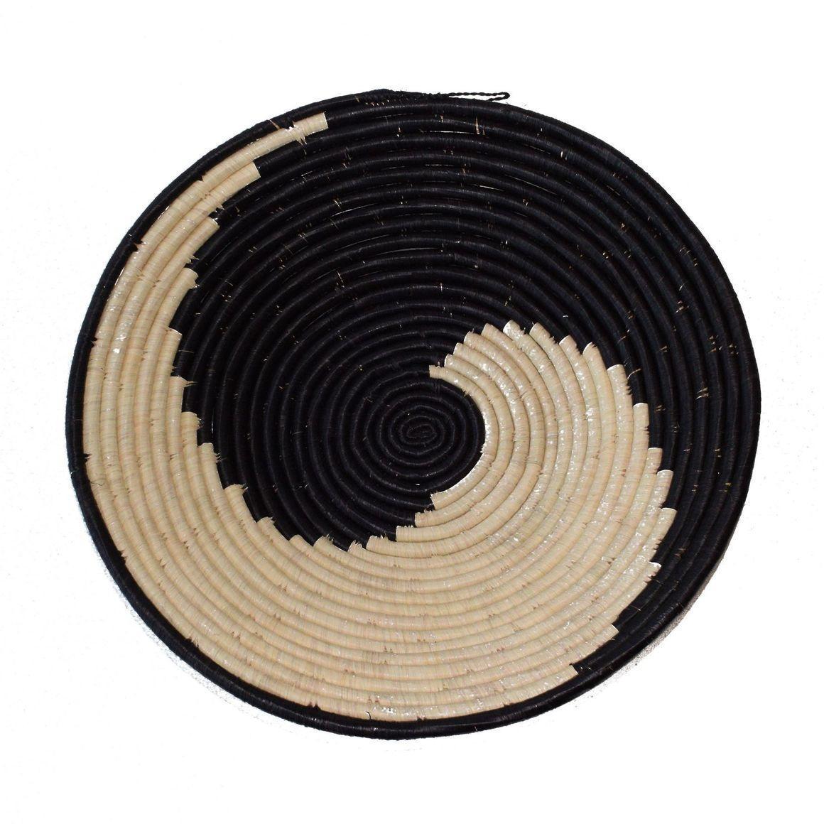 Small 20cm diameter woven bowl - Swirl | Trada Marketplace