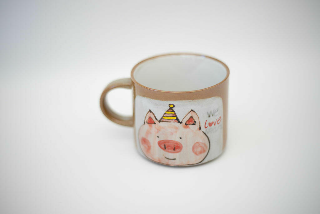 We Love Natural Mug-piggy   Trada Marketplace