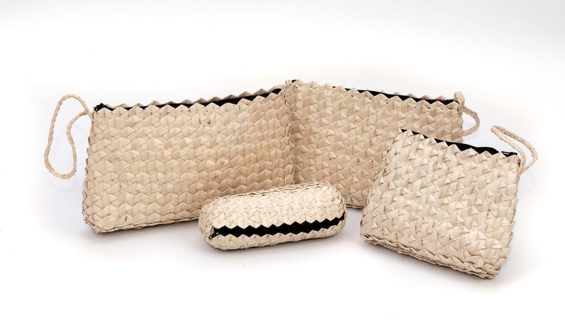 Small palm leaf woven purse | Trada Marketplace