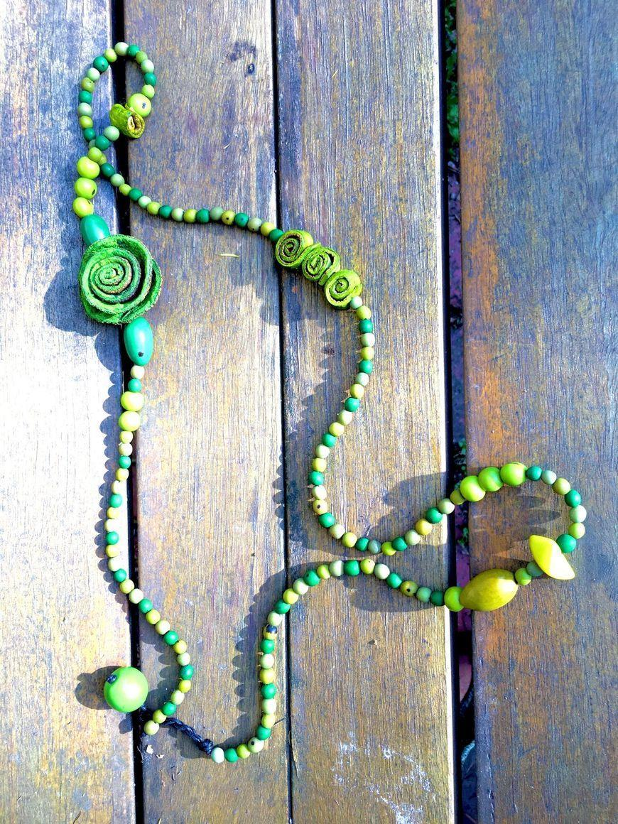 Chirilla and flowers Necklace | Trada Marketplace