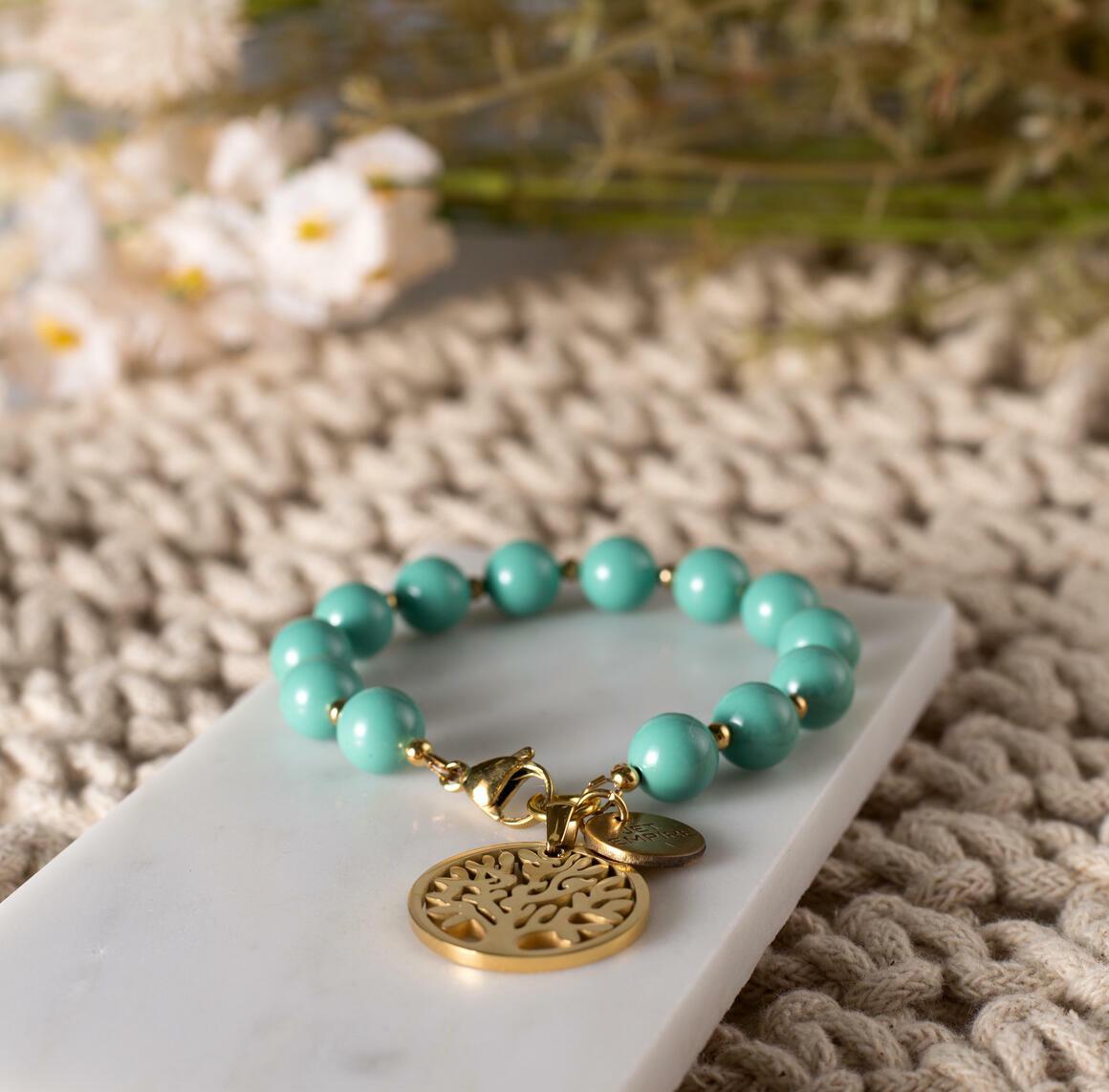 One Tree Hill - Jade (Gold) | Trada Marketplace