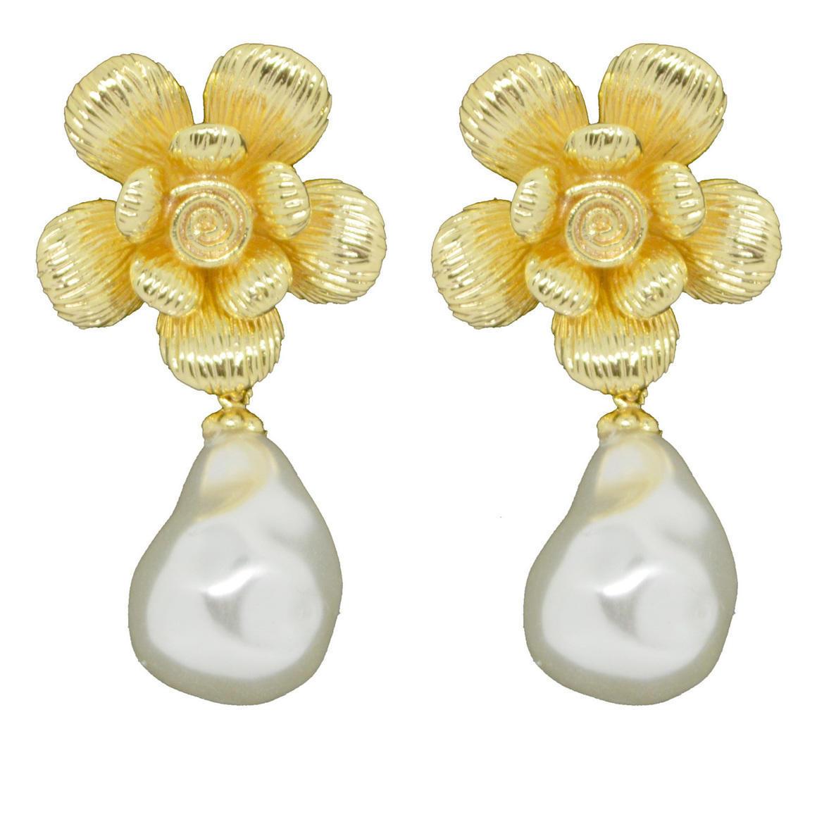 Flowering Pearl Earring | Trada Marketplace