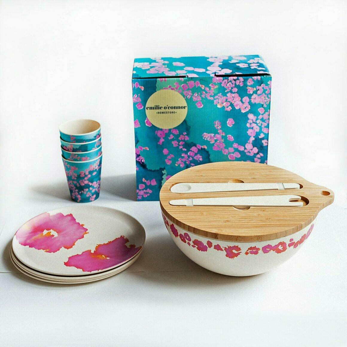 Dinnerware Gift Set with Coral Reef Design | Trada Marketplace
