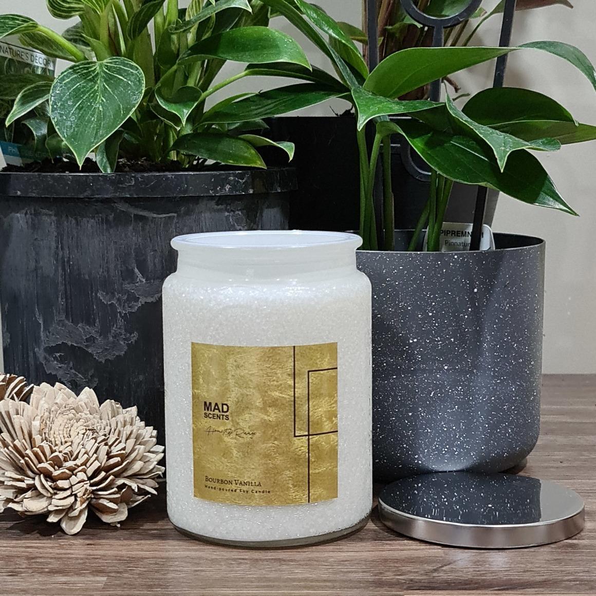 Bourbon Vanilla Wood Wick Candle | Trada Marketplace
