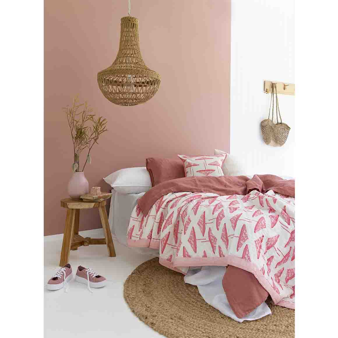 Pink Pretty Parasols Quilt (Single Double King Size) IAE4   Trada Marketplace