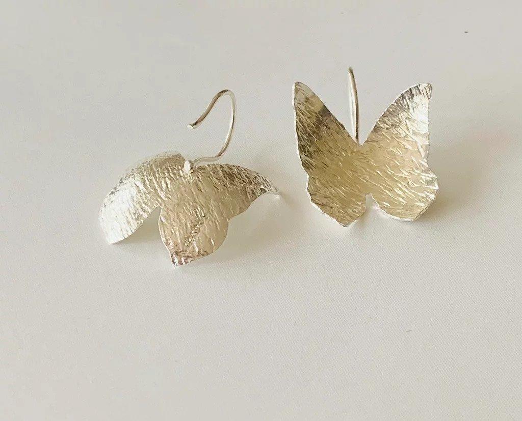 Mariposas Amazonicas / Wild Butterfly Earrings II (silver concavas) | Trada Marketplace