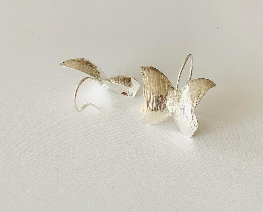 Mariposas Amazonicas / Wild Butterfly Earrings (silver convexas) | Trada Marketplace