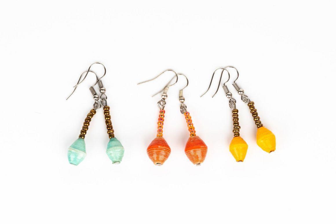 One bead drop earring | Trada Marketplace