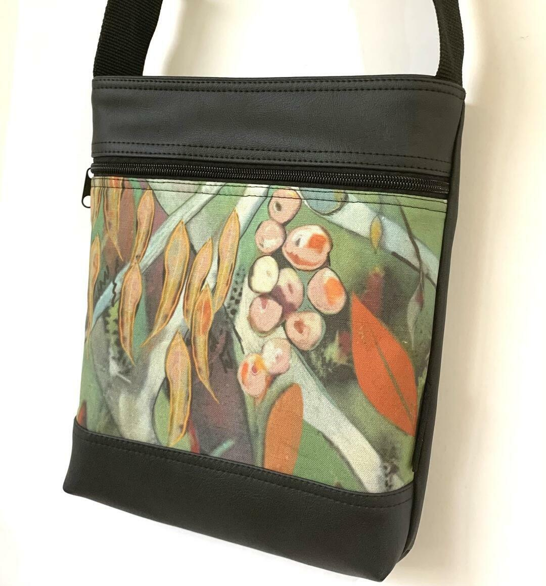 Stand Up Sue Bag in Under the Gum Tree | Trada Marketplace