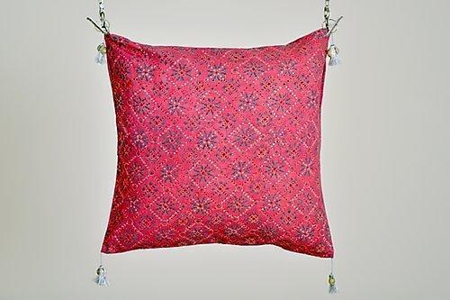 Asiyah Pink Cushion With Zari Embroidery | Trada Marketplace