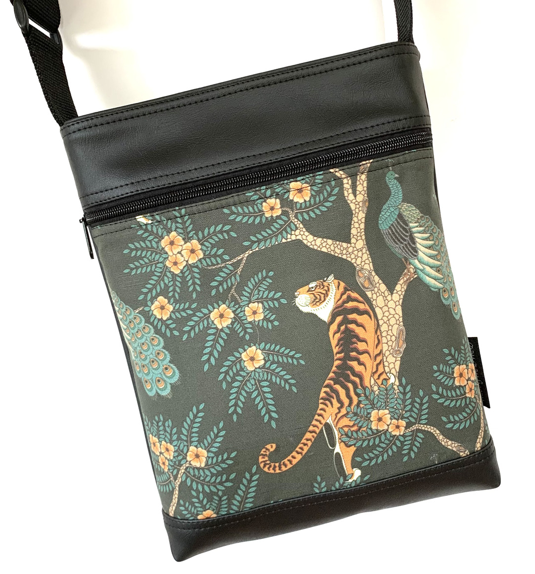 Stand Up Sue Bag in Tiger | Trada Marketplace