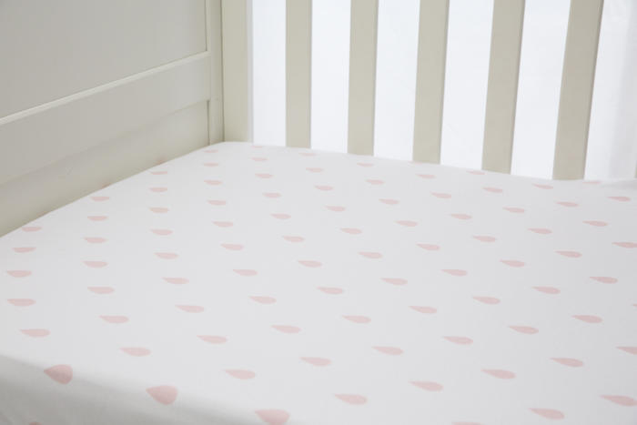 L'il Fraser Pink Raindrop Fitted Sheet   Trada Marketplace
